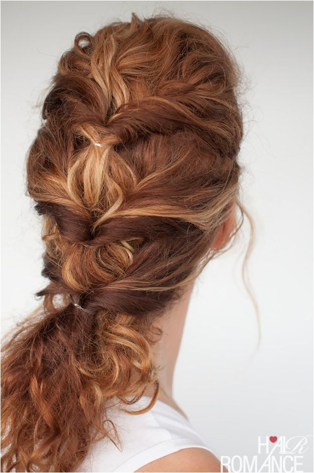 Easy Work Hairstyles for Curly Hair 20 Quick and Easy Hairstyles You Can Wear to Work