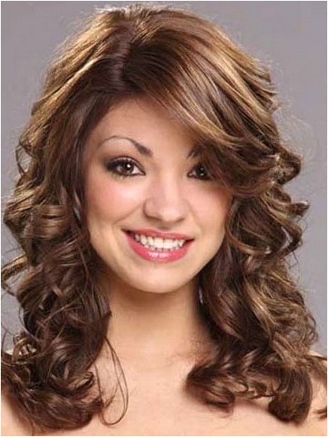 What Hairstyles Can You Do with Curly Hair Hairstyles You Can Do with Curly Hair