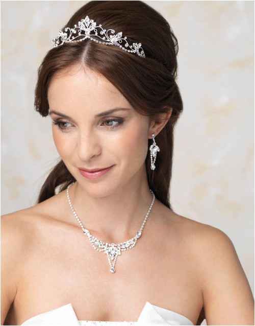 Wedding Hairstyles for Tiaras Perfect Wedding Tiara for Different Kinds Of Hairstyles