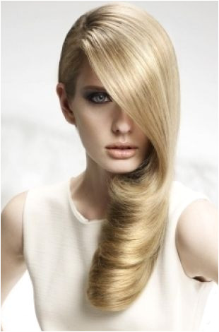 Easy Hairstyles for Xmas Party Easy Party Hairstyle Ideas Standing Out From the Crowd Doesn T