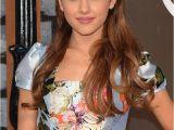 Ariana Grande Hairstyles Half Up Half Down 16 Rare Photos Of Ariana Grande Not Wearing A Ponytail Hellogiggles