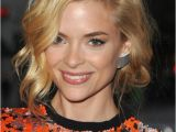 Bob Haircut with Curls Jaime King Wavy Bob Hairstyle with Curls Hairstyles Weekly