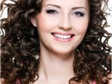 Easy Care Hairstyles for Wavy Hair Best 25 Easy Curly Hairstyles Ideas On Pinterest