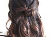 Easy Five Minute Hairstyles for Short Hair Half Up Knot Hair Styles Pinterest
