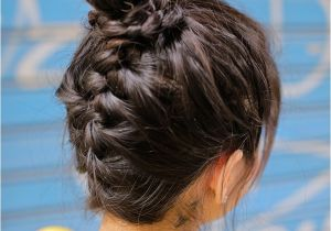 Easy Hairstyles for Vacation 5 Quick and Easy Hairstyles for Traveling