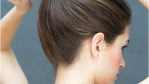 Easy Hairstyles You Can Do with One Hand 10 Hairstyles You Can Do In Literally 10 Seconds Hair