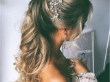 How to Do Wedding Hairstyles for Long Hair Wedding Hairstyle for Long Hair How to Make It