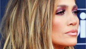 Jennifer Lopez Hairstyles 2019 Jennifer Lopez Short Bob Hair Cut with Blonde Balayage Hair Color