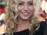 Medium Length Hairstyles for Women with Curly Hair 35 Medium Length Curly Hair Styles