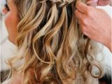 Simple Loose Hairstyles Loose Curls with A Simple but Elegant Braid Detail Makes the Perfect