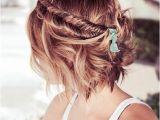 Wedding Hairstyles for the Beach 20 Breezy Beach Wedding Hairstyles